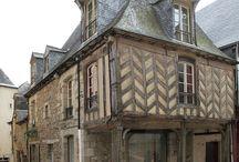 architecture médiévale / bâtiments d'époque médiévale
