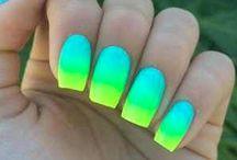 Unghii neon