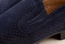 Man's Moccasins 32096 Pakerson - Mocassini Uomo 32096 Indaco / Pakerson soft, perforated napa leather Moccasin: personality, charm, breathability and an airy feel. Purchase Italian luxury shoes. Freedelivery in many European countries.   - Mocassino Pakerson in soffice nappa traforata: personalità, eleganza, traspirabilità, freschezza. Acquista le scarpe artigianali Italiane di lusso. Consegna gratuita in Italia.