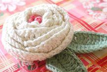 Crochet Flowers / by Oaktrees