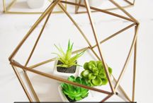 Easy DIY Projects and Handmade Crafts / Find handmade crafts. Create pretty, simple DIY projects for the home and home decor. Get inspired to do it yourself with decoration ideas and other creative tutorials.  / by House of Hipsters - Home Decor, Interior Design, and Styling Expert with Vintage Flea Market Finds