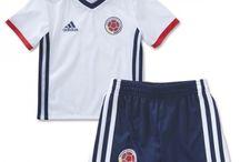 Billige fodboldtrøjer Colombia til børn / Køb billige Colombia fodboldtrøjer til børn online med oplag. Vi leverer nye Colombia billige fodboldsæt børn med lav pris og hurtig levering. Køb nu!
