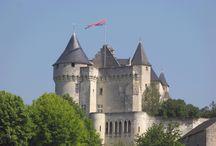 Tour d'horizon du Château de la Motte - Grand Tour / Pour un séjour de rêve dans un environnement authentique et dans une ambiance d'un autre temps. A romantic stay in an authentic environment from past centuries.