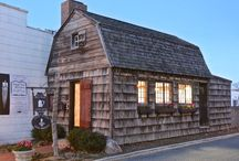 Pelletreau Silver Shop / Located at 80 Main Street, Southampton Village, NY. The small, gambrel-roofed shop, built in 1686, was originally a trade shop. Later, Elias Pelletreau, encouraged by his stepfather to become a silversmith, occupied the shop beginning in 1750 to make jewelry, buttons, buckles, and a variety of utensils. Today Master Jeweler Eric Messin conducts jewelry making workshops in the Pelletreau Silver Shop for beginners to advanced students. Property of the Southampton Historical Museum.