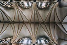 Sklepienia w architekturze na przestrzeni wieków / Prezentacja historycznego rozwoju przekryć w architekturze typu sklepienie.