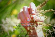 Nail Art by Funky Fingers Factory / Playing with traditional nail polish...