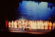 MES PROD : ATTILA / En 1979, Jacques Karpo le grand directeur d'alors de  l'Opéra de Marseille, m'invita pour mettre en scène un opéra de Verdi ...jamais joué en France : ATTILA. Par surcroît il m'offrit une distribution en or massif qui souleva le terrible et difficile public marseillais d'enthousiasme : José Van Dam, Veriano Luchetti, Antonio Salvadori et, dans le terrible rôle d'Odabella, Radmilla Bakocevic. Ce fut un triomphe !