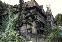 Abandoned Theme Parks - Creepy!! / Abandoned theme parks - creepy but beautiful at the same time