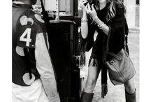 Camerawoman / 女流カメラマン