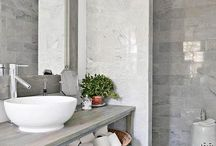 En Suite Bathroom / Ideas and inspiration on how to turn your en suite bathroom into a sanctuary!