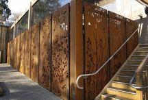 Murs métalliques ajouré