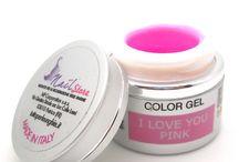 Gel UV  Colorati Made in Italy / Per unghie lucenti e brillanti su www.tuttoperleunghie.it