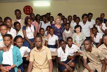 Dominique Ouattara Première Dame de Côte d'Ivoire, visite le groupe MISA / Dominique Ouattara Première Dame de Côte d'Ivoire et Akié Abé  l'épouse du Premier ministre japonnais ont visité le groupe MISA