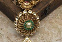 Jewellery antique