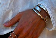pulseras y brazaletes