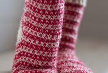 villasukkia neuloen ja virkaten