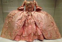 XVIII robe a la francaise / XVIII w. suknia w typie francuskim