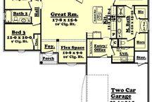 Favorite house plans / by Harmoni Linton