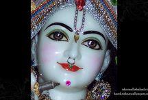 ISKCON Allahabad - Venimadhav Close Up / Amazing wallpapers of Venimadhav Close up at ISKCON Allahabad  maid by ISKCON Desire Tree