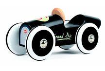 Baghera Jouets en bois / Les jouets en bois Baghera deviendront vite le meilleur compagnon de jeu de vos enfants. Nos jouets au style vintage sont robustes et conçus pour durer. Ils séduiront les petits dès 1 an … comme les grands !