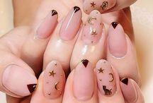 nails;)