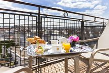 Breakfast / Enjoy our parisian brunches in our Art deco Lounge or in front of a beautiful relaxing view in your room.