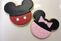 MINNIE AND MICKEY MAUS CAKES