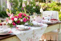 Garden Dining & Entertaining / by Diane Sanchez