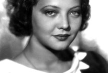 Sylvia Sidney / Sylvia Sidney (August 8, 1910 – July 1, 1999) was an American actress of stage, screen and film, with a career spanning over 70 years, who first rose to prominence in dozens of leading roles in the 1930s.