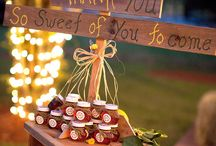 Fun Farm Wedding Favors / Want to make sure your guests leave with more than just memories and sore feet?  Find the perfect wedding favor ideas here!  Then be sure to check us out at www.thegoldenoakfarm.com