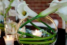 flowers/vases