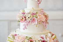 They Look as Good as They Taste... / Wedding cakes that look as good as they taste!