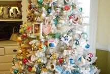 Decorating: Christmas  / Mostly crafted decorations