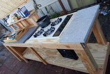 Outdoor Kitchen / by Tiffany Selvey