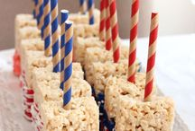 4th of july ideas / 4th of july red, white and blue recipes! These patriotic desserts, snacks and meals are perfect for America's birthday!