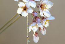 kvetinky z farieb na sklo myslím