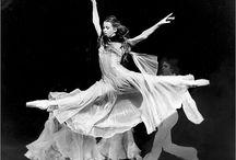 le danse / by Candice Deutz