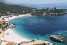Urlaub in Albanien / Urlaubsreif? Wir sammeln für Euch die schönsten Fotos von Stränden, Buchten, Hotels und Restaurants aus Albanien. Selbstverständlich alles mit Meerblick. Einfach zurücklehnen, geniessen und vom nächsten Urlaub am Meer träumen.
