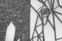 """Elephant en """"String-art"""" by DIMENSYON / Elephant """"String art"""" de 110 x 80 cm sur fond en cuir blanc by DIMENSYON"""