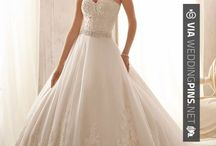 Top Winter Wedding Dresses 2016 / The top winter wedding dresses 2016 has to offer! All right here on the 2016 season of wedding dress mania! Enjoy the 2016 wedding dress fashions in the board below!