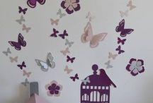 Décoration chambre bébé violet parme rose poudré