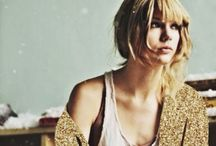 "Taylor Swift / ""So don't you worry your pretty little mind, people throw rocks at things that shine."""
