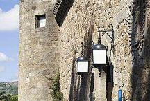 JARANDILLA DE LA VERA / S.M. El Emperador Carlos V permaneció  alojado en Jarandilla, concretamente en el Castillo de los Condes de Oropesa (actualmente Parador de Turismo), hasta que finalizaron las obras de la Casa-Palacio adosada al Monasterio de Yuste. VEN A VERAGUA Y DESCUBRE LA VERA www.veraguaocio.com