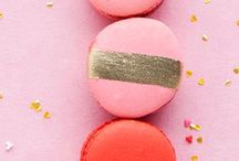 Sparkly Sweets / Sparkly desserts - sequin cakes - gold macaroons - sparkly cookies