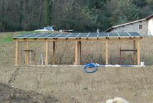 Impianto Fotovoltaico Azienda Agricola Loro Ciuffenna / impianto su struttura appositamente costruita per il ricovero delle macchine agricole