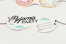 Übernachtungsparty // Pyjama Party / Kindergeburtstag, Teenager-Geburtstag, Übernachtungsparty, Motto-Party, Partydekoration, Tischdeko, Girlanden, Einaldungen, Party-Spiele, Mitgebsel, DIY