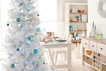 Christmas  / Christmas decor and DIYs / by Chloe Hartman