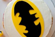 James 5th birthday ideas / Batman cake