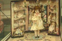 Armoire pour poupées