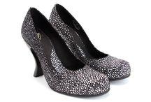 shoes. handbags. accessories. / by annie francesca c